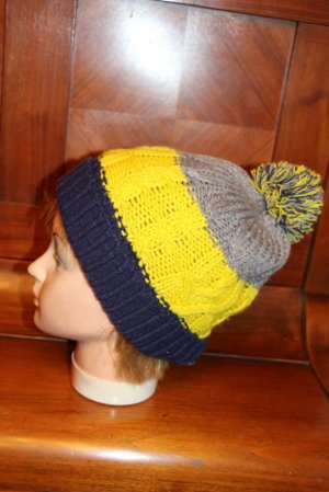Pull & Bear Bobble Hat multicolored polyacrylic