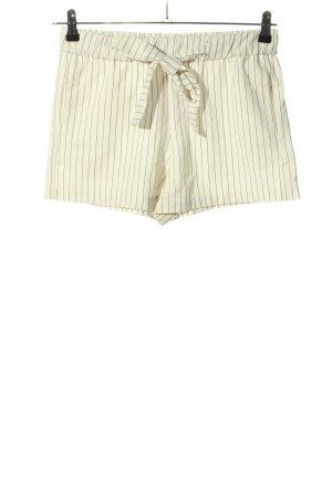 Pull & Bear Shorts wollweiß-schwarz Streifenmuster Casual-Look
