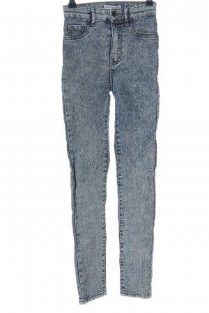 Pull & Bear Skinny Jeans blau Street-Fashion-Look