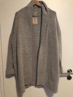 Pull & Bear Płaszcz z dzianiny jasnoszary-szary