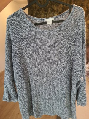 Szydełkowany sweter niebieski