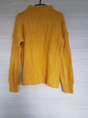 Reserved Warkoczowy sweter piaskowy brąz