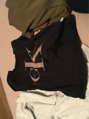 Pullis und tshirt