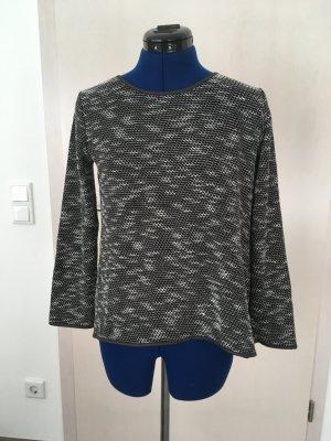 Apricot Crewneck Sweater black-white