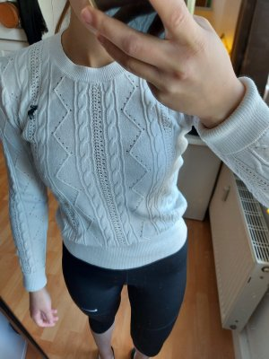 Abercrombie & Fitch Cable Sweater white