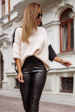 Bastet Sweter oversize jasnobeżowy-czarny