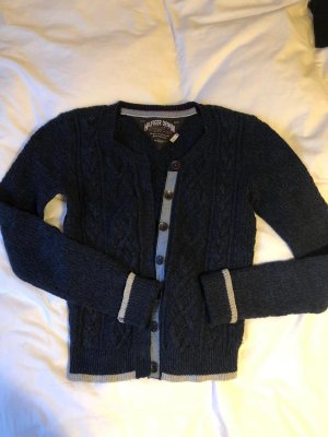 Pullover / Cardigan aus Wolle