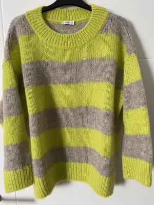 Closed Sweter z grubej dzianiny limonkowy żółty-srebrny Moher