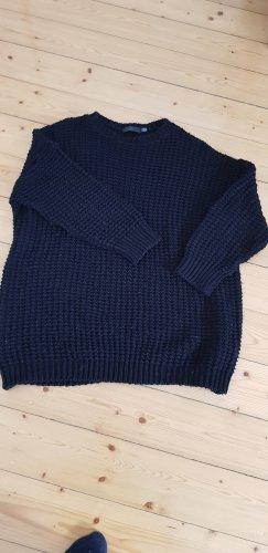 Sweter z grubej dzianiny czarny