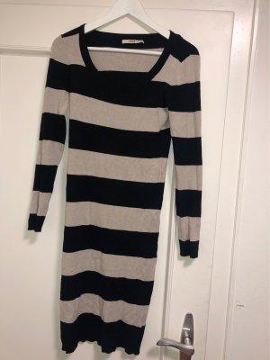 Oasis Długi sweter czarny-kremowy