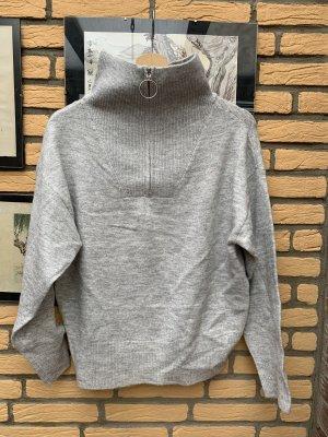 Rainbow Knitted Sweater light grey