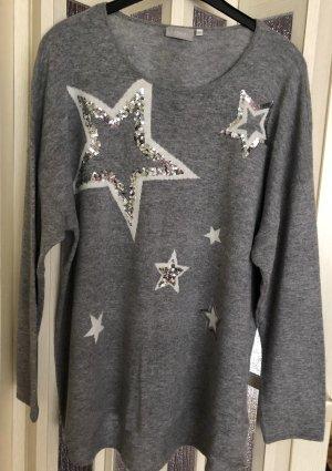 Pullover grau mit Sternen