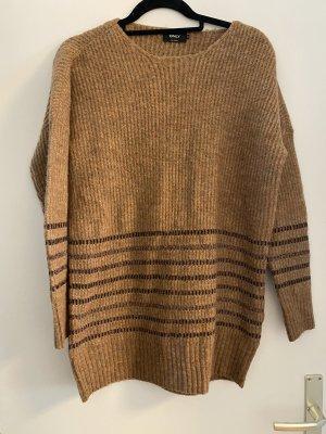 Pullover in camelfarben