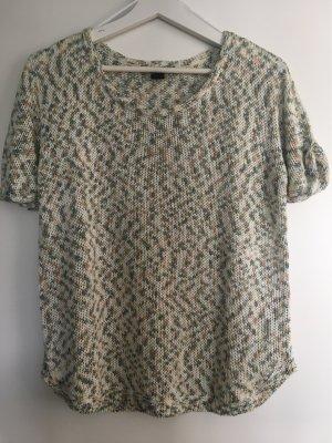 Pullover in den Trendfarben