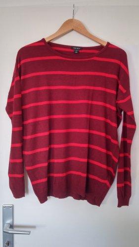 Pullover in rot-Tönen gestreift