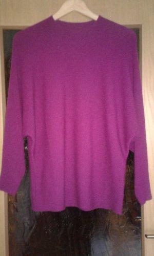 Yessica Maglione lavorato a maglia magenta