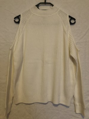 Pullover mit Cut-Out an den Schultern