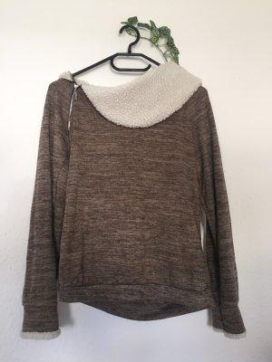 Pullover mit Fell