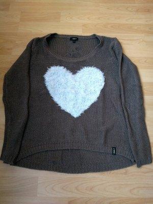 Pullover mit flauschigem Herz