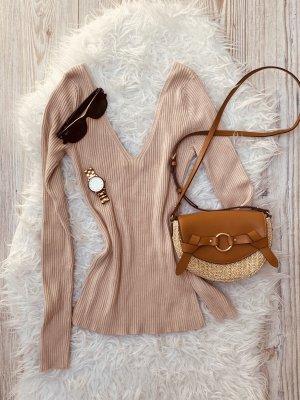 Pullover mit großem V-Ausschnitt