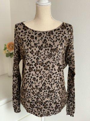 Pullover mit Leopardenmuster und Nieten
