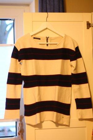 Pullover mit nettem Rücken