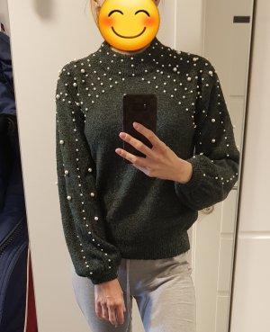 Pullover mit Perlen