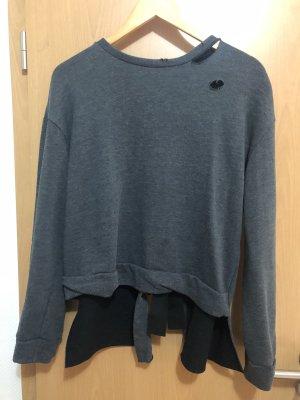Pullover mit Schleife am Rücken