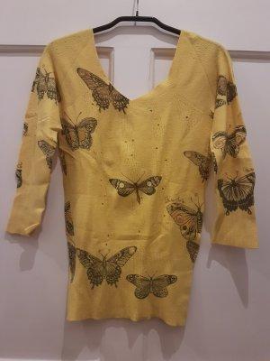 Pullover mit Schmetterlingen