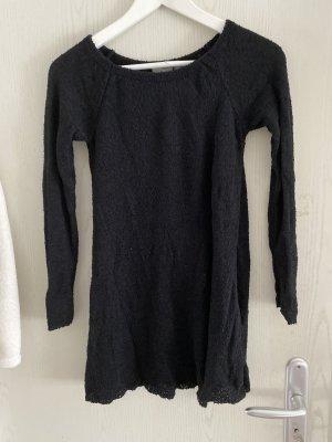 Pullover mit seitlichem Schlitz