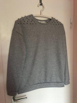 Pullover mit silber Nieten M/38 Glamorous grau