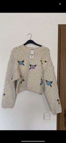 Pullover mit Strickereien