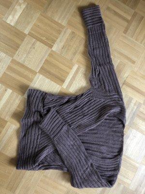 Pullover mit tiefem V-Ausschnitt von H&M