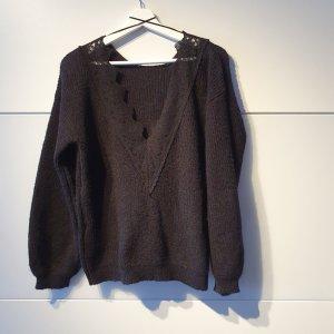 Pullover mit tiefem V-Ausscnitt