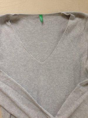 Pullover mit V-Ausschnitt von Benetton