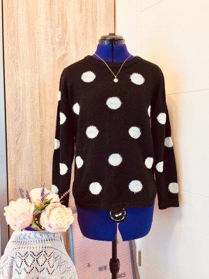 Pullover mit weißen Punkten