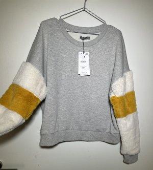 Pullover mit Wuschelärmel