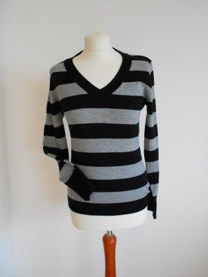 Pullover schwarz grau gestreift
