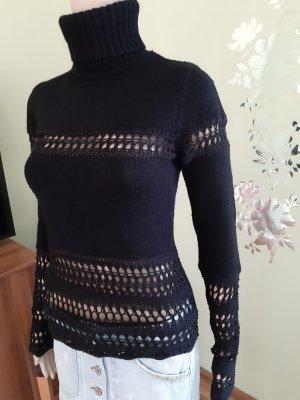 Pullover schwarz mit gehäkelten Baumwolleinsätzen
