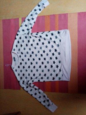 Pullover und Shirt