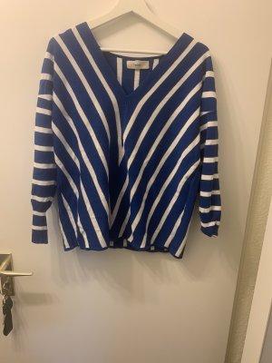 Pullover von der Marke Heine