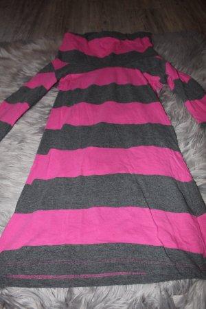 Pulloverkleid mit Rollkragen und 3/4 Ärmeln