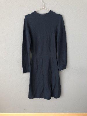 Pulloverkleid von Uniqlo