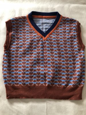 Sweter bez rękawów z cienkiej dzianiny brązowy-brązowo-czerwony