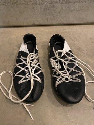 Puma Ballerines à lacets noir-blanc