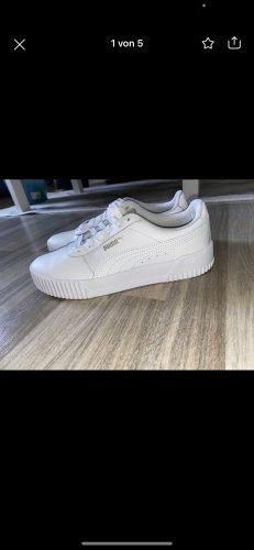 Puma Sneaker con tacco bianco
