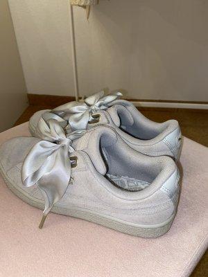 Puma Schuhe mit Schleife