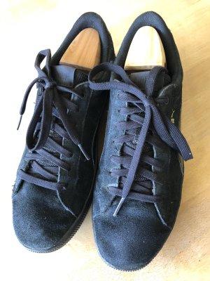 Puma schwarzer Sneaker schwarzes Velourleder