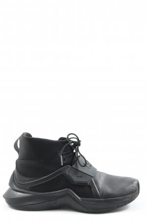 Puma Skater Shoes black casual look