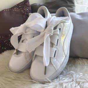 Puma Sneaker Basket Heart Patent white